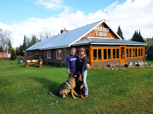 Boulder Lodge exterior 1 800w